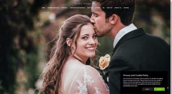 A dream wedding at Braxted Park Essex with wedding photography by Studio Images UK. Recommended by Braxted Park